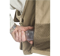 11619 Geo Fly Vest rear pocket